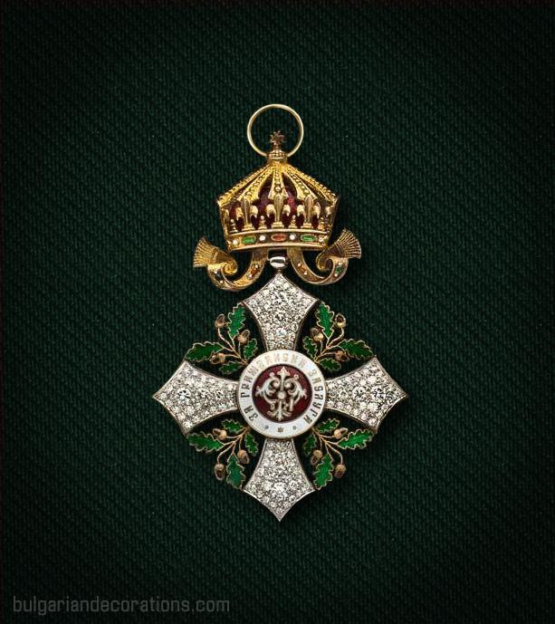 Кръст I степен (Велик кръст) на Орденa за гражданска заслуга с брилянти, аверс